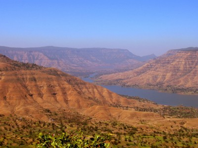 View_from_Panchgani,_Maharashtra